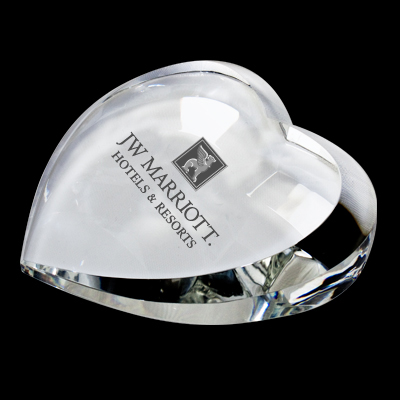 GLASS CRYSTAL HEART PAPERWEIGHT